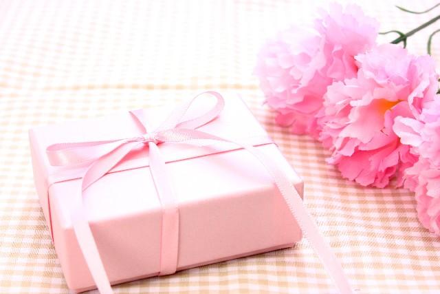 母の日のプレゼントを安く抑えたい!予算の平均っていくらなの?実母と義母の差はある?