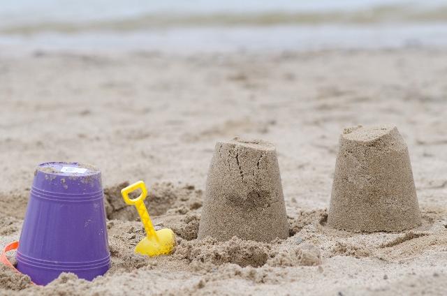 子供と海に ラッシュガードは必要か?サイズ等の選び方 プールの時はどうする?