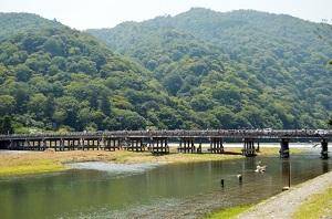 嵐山でランチ 子連れもOK!何食べる湯豆腐?おばんざい?それともテイクアウトで食べ歩きもイイネ。